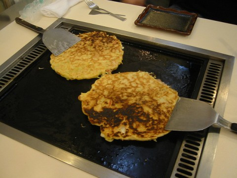Making tasty okonomiyaki images
