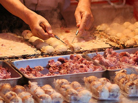 Popular Yatai Foods: Takoyaki images