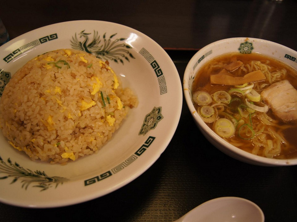 Hidakaya's renowned lunch menu: Cha-han(fried rice) and Ra-men(soy-sauce flavoured noodle) set