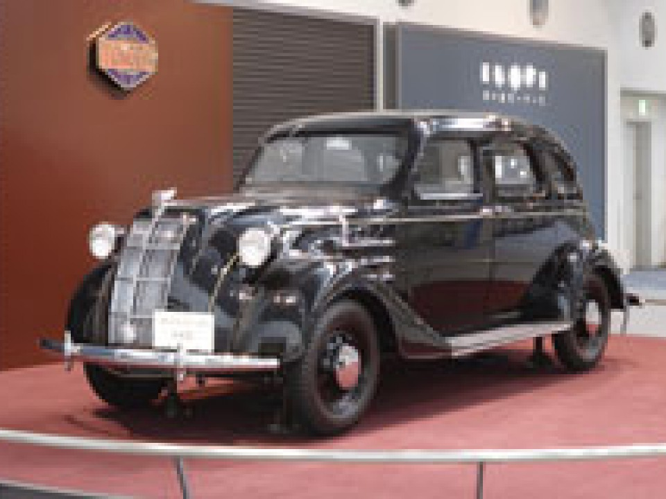 Toyoda's first passenger car modelAA