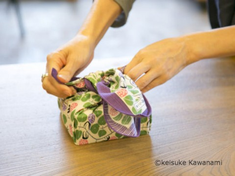 """Furoshiki"" can be a great gift! images"