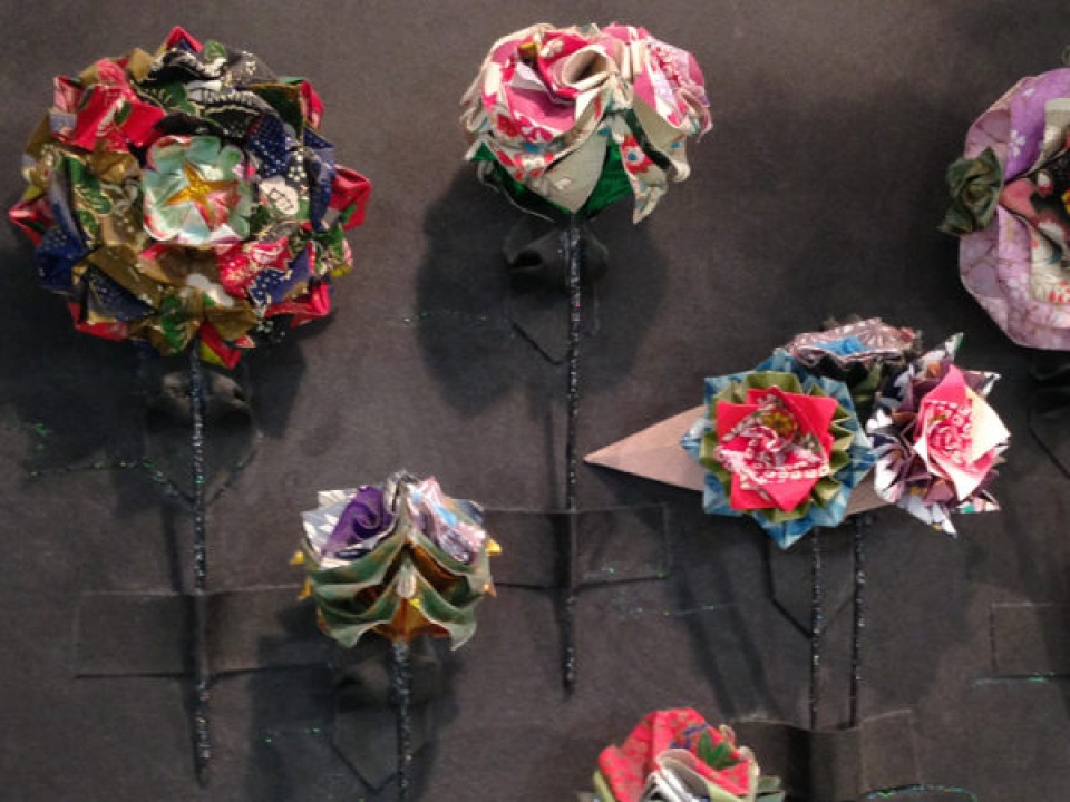 paper flower hair pins you could wear with a kimono