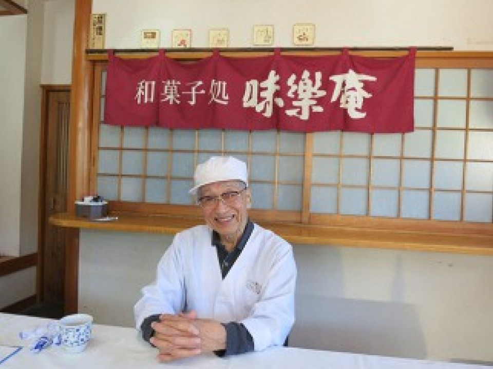 Mr. Murofushi, who underwent a glorious transformation from railwayman to to artisan Japanese sweet-maker.