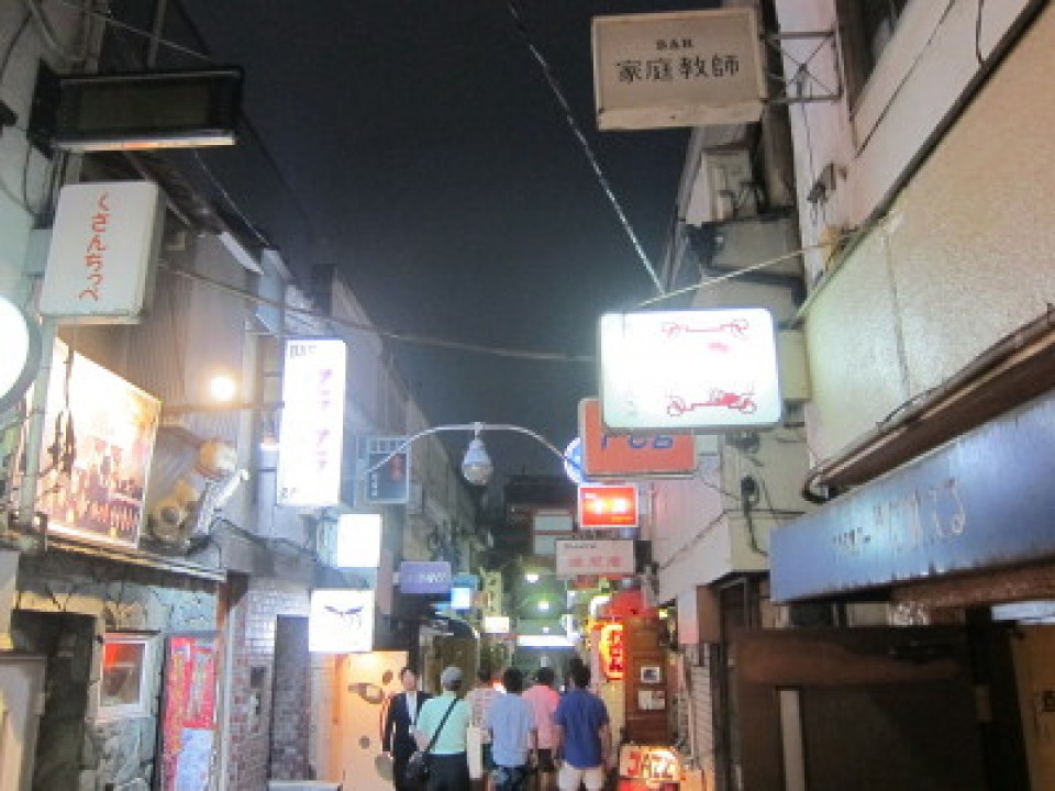 narrow little alley - lively after 10pm
