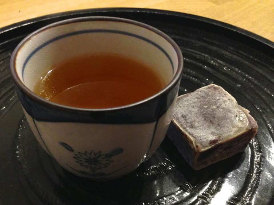 Kintsuba is best with tea