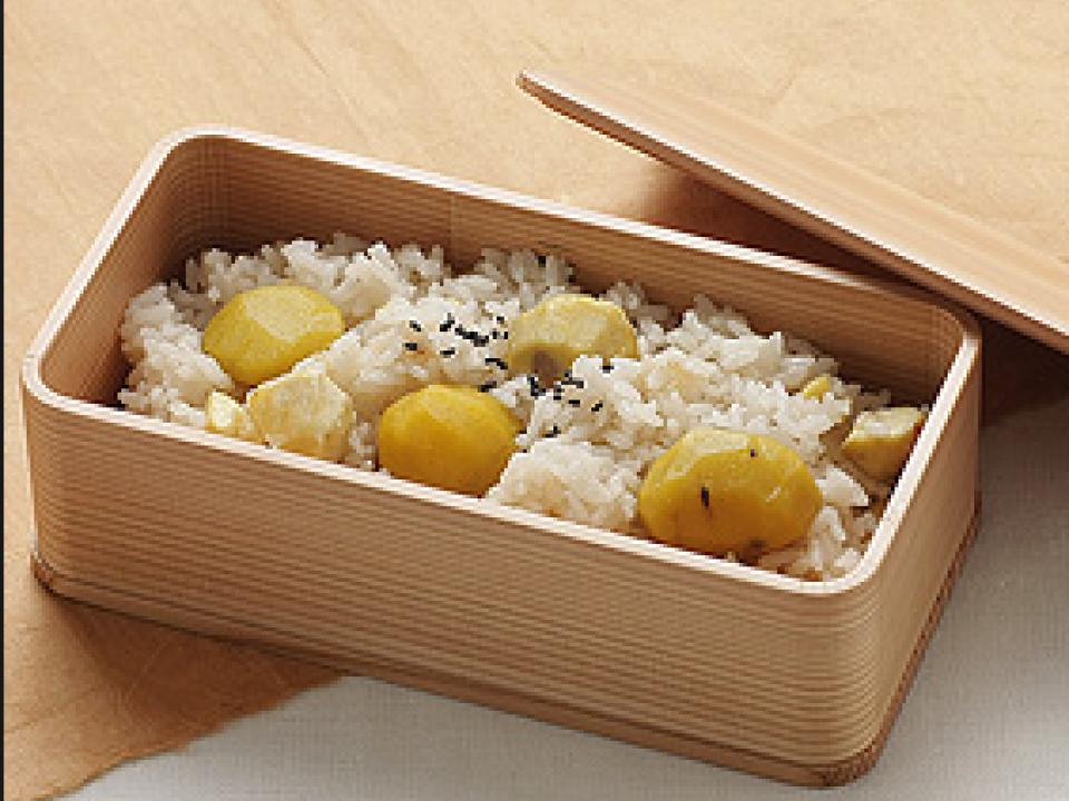 Multi-tiered food box style