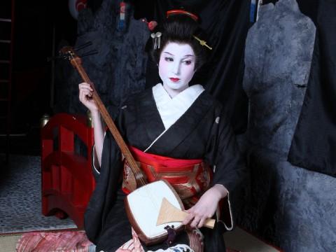 Geisha Makeover in Asakusa, Tokyo images