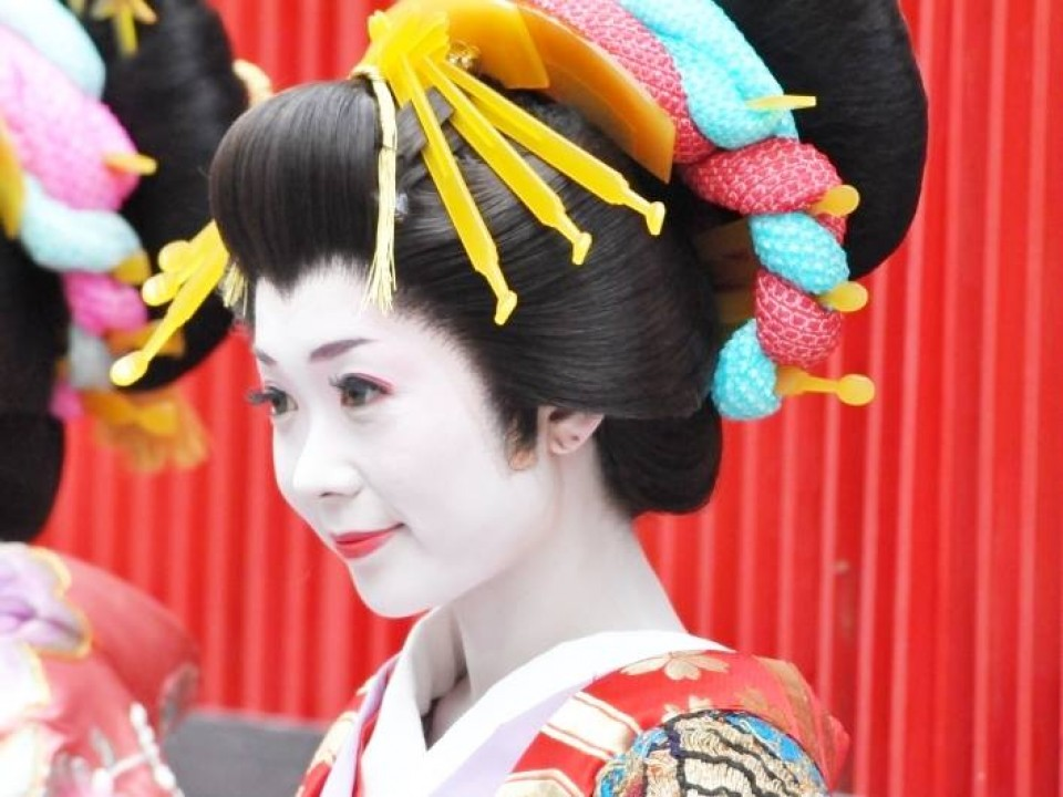 Oiran with special hairpins
