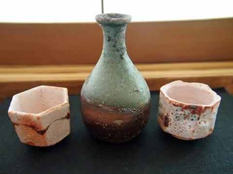 Yakimono: Japanese Pottery and Porcelain images