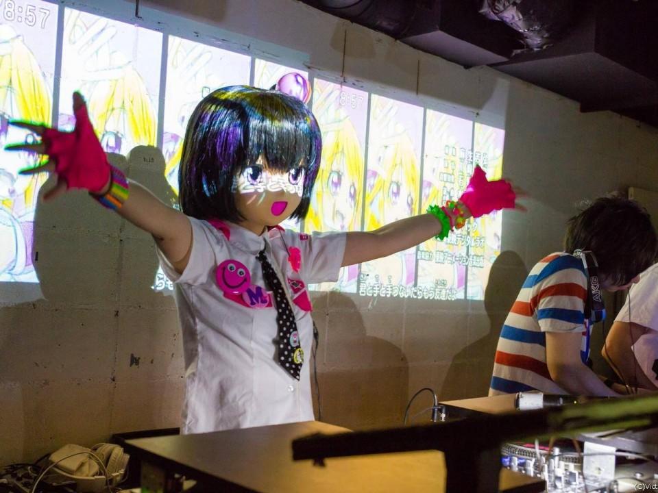Minami Momochi running tracks at AniCrush!!!