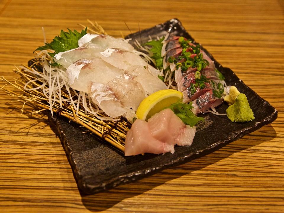 Sashimi (raw fish)