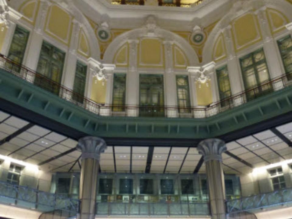 Inside Tokyo station
