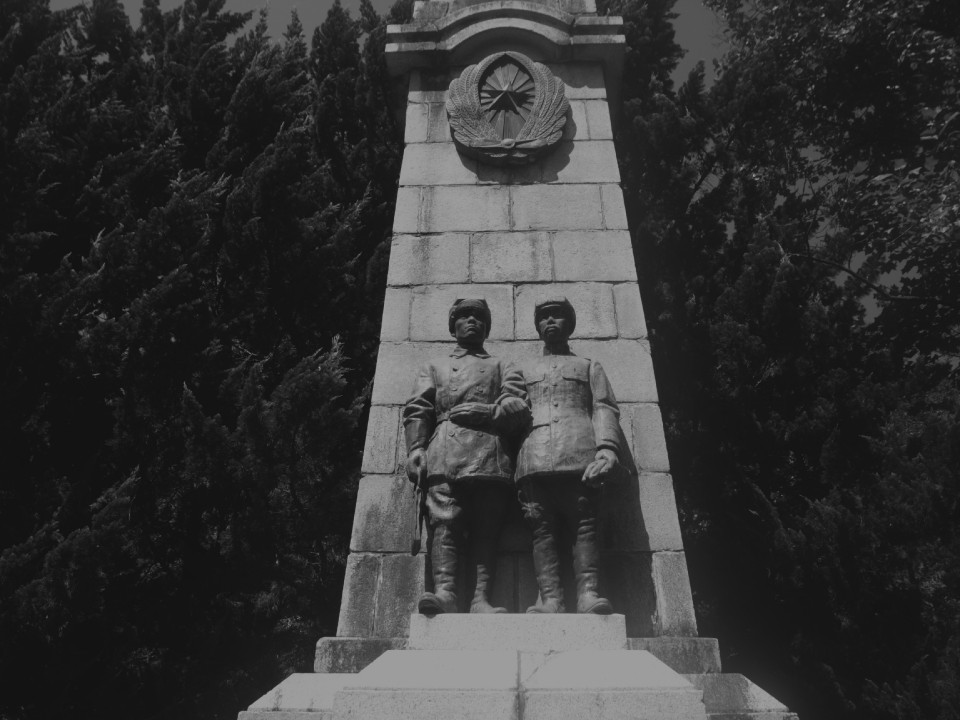 100 years before the statue of pilot