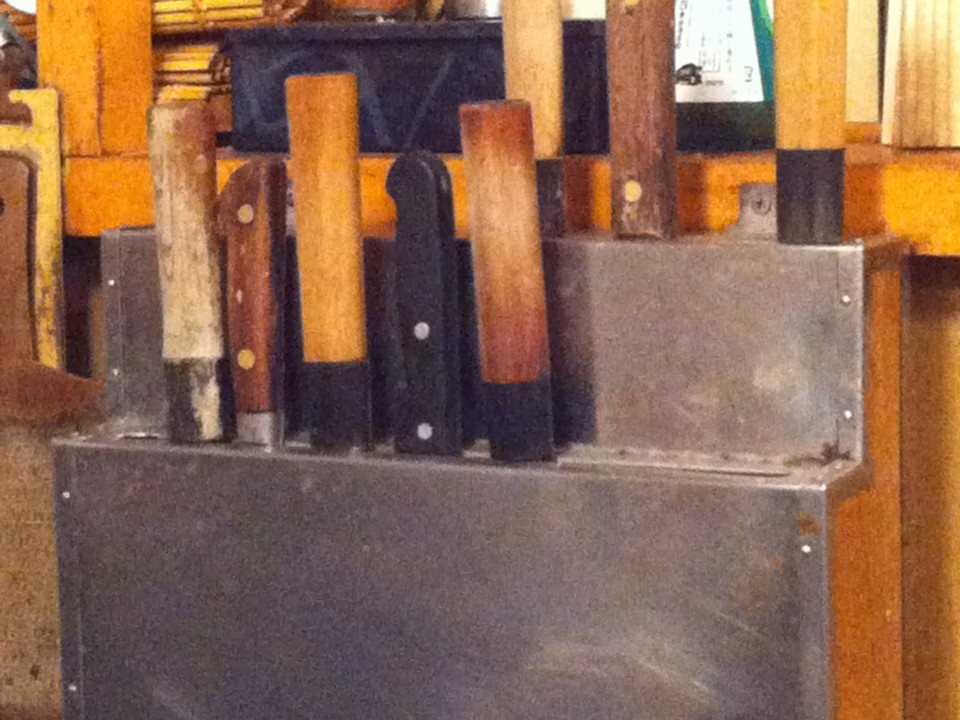 Isono: so many knives!