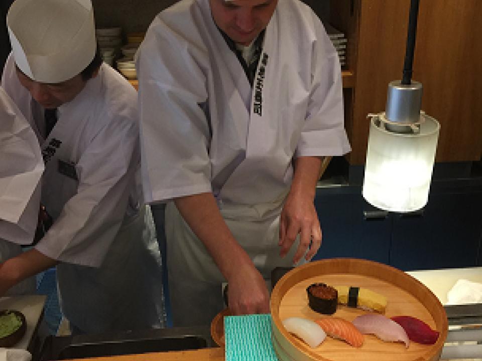 Making Nigiro Sushi in Tsukiji