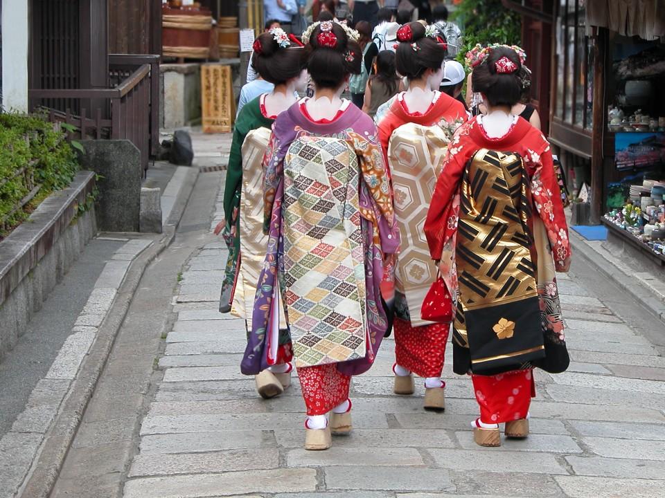 Geishas (Maiko) in Kyoto