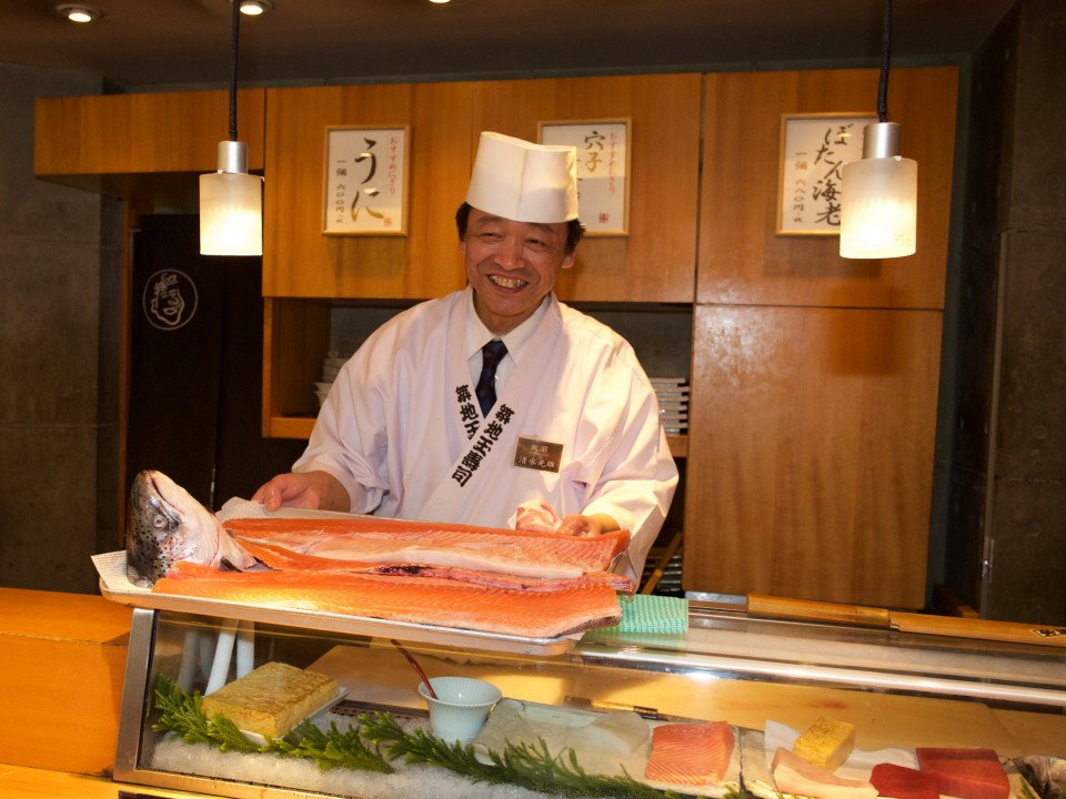Freshly sliced salmon: quality fish is essential