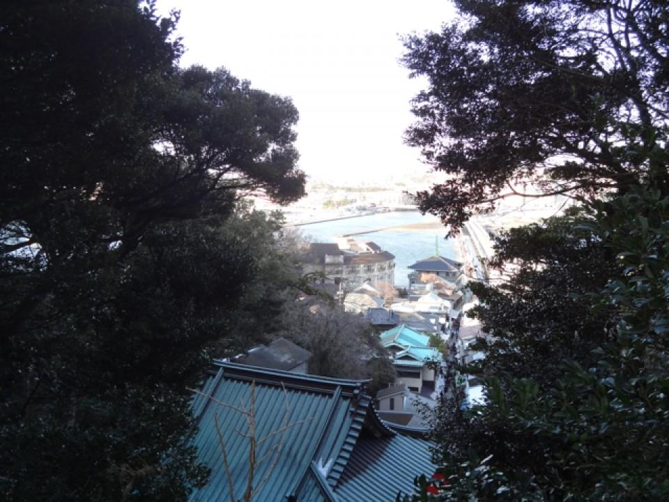 Enoshima's many small shops
