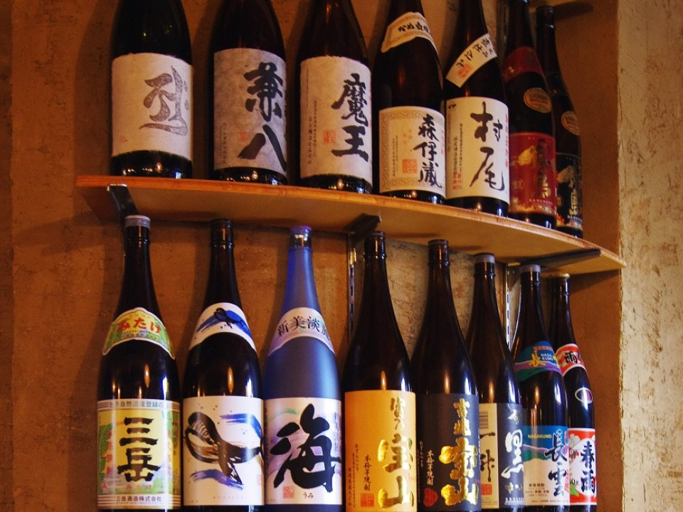 A variety of Sake and shochu are offered.