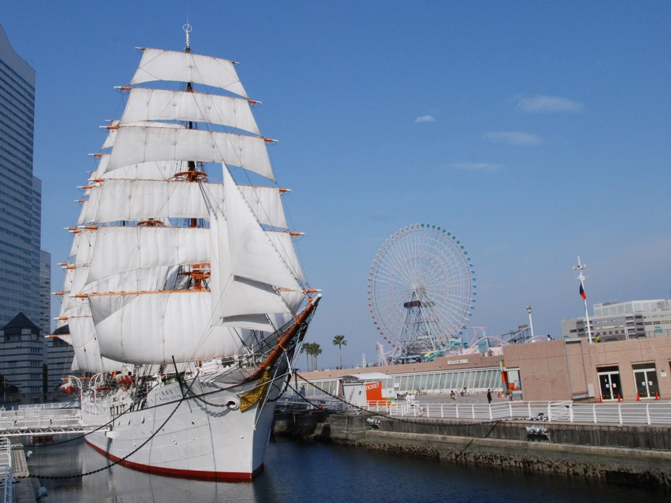 (The Nippon Maru) The sight of the ship in full sail packs a punch.