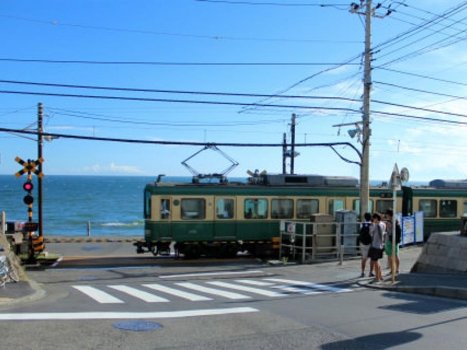 Enoden train at the Shonan Coast