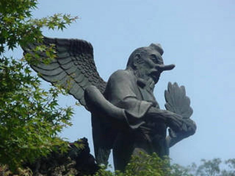 The Tengu still has wings, but not a beak anymore!