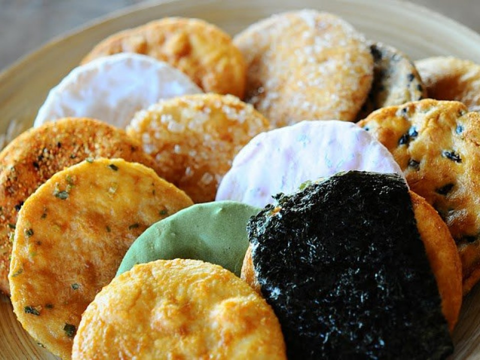 Senbei ( rice crackers )