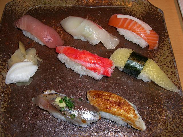 5 tips on how to eat sushi in japan deepjapan. Black Bedroom Furniture Sets. Home Design Ideas