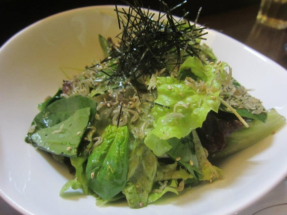 Salad with small anchovies